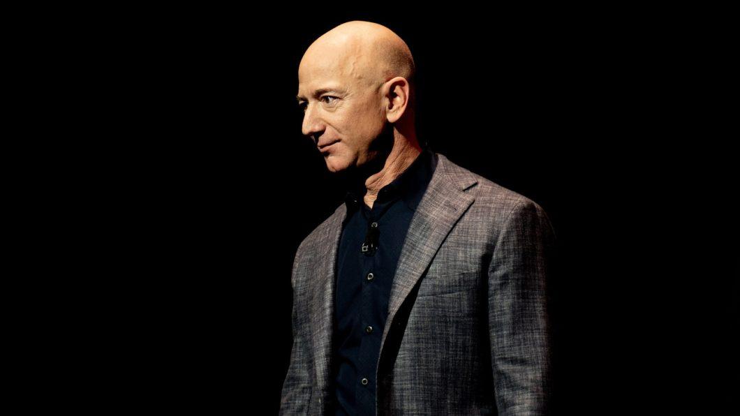 Jeff Bezos não é mais CEO da Amazon (Imagem: Daniel Oberhaus / Flickr)