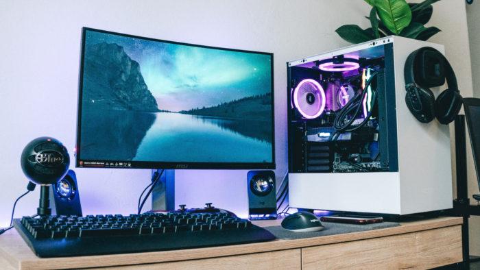 PC Gamer (Imagem: Andre Tan/Unsplash)
