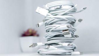 União Europeia vai propor lei para padronizar carregador de celular