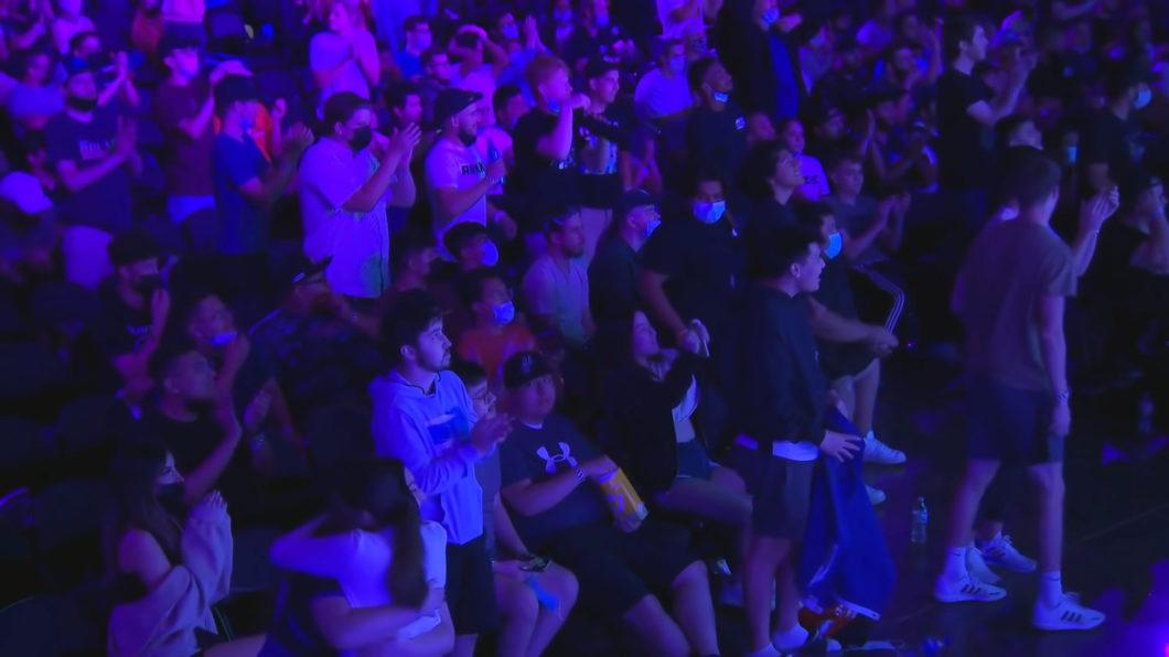 Platéia da CoD Stage Five Major contou com diversos visitantes sem máscara (Reprodução/YouTube Call of Duty League)
