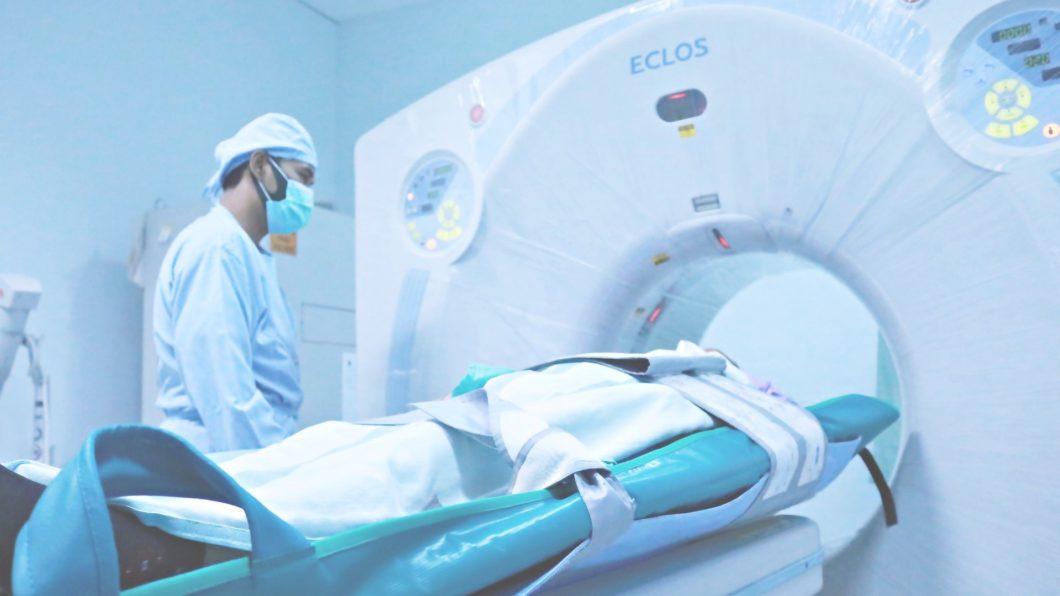 Equipamento de tomografia