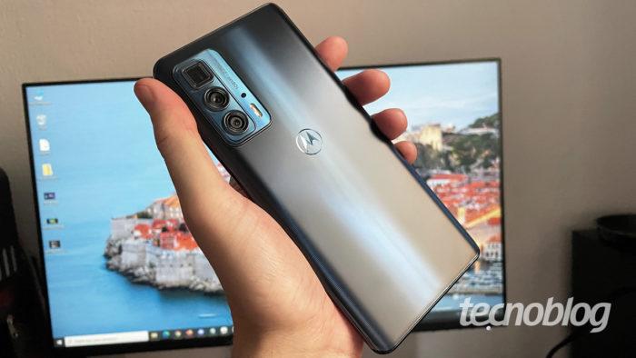 Motorola Edge 20 Pro (imagem: Emerson Alecrim/Tecnoblog)