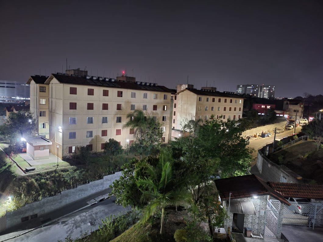 Foto tirada com a câmera principal + Modo Noite do Galaxy Z Fold 3 (Imagem: Darlan Helder/Tecnoblog)