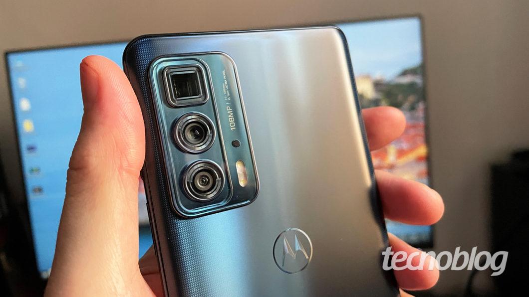 O Edge 2O Pro é o único da linha com câmera periscópica (imagem: Emerson Alecrim/Tecnoblog)