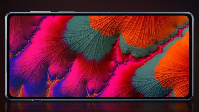 Edge S Pro possui tela OLED de 144 Hz (Imagem: Divulgação / Lenovo)