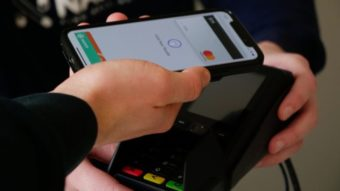 Apple Pay agora pode ser usado para comprar criptomoedas na Coinbase