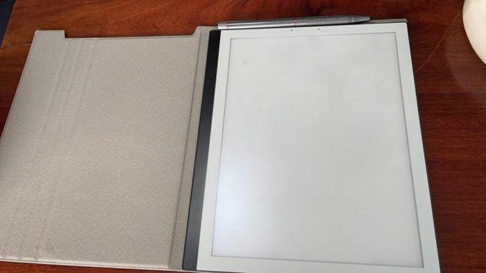 Protótipo do PineNote com capa (imagem: divulgação/Pine64)