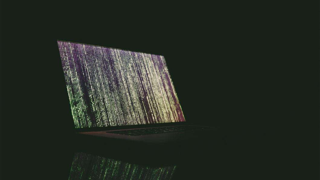 ABES baniu 68 mil links que direcionavam usuário a conteúdo ilegal (Imagem: Markus Spiske/Unsplash)