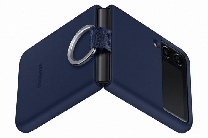 Galaxy Z Flip 3 com capinha (Imagem: Divulgação / Samsung)