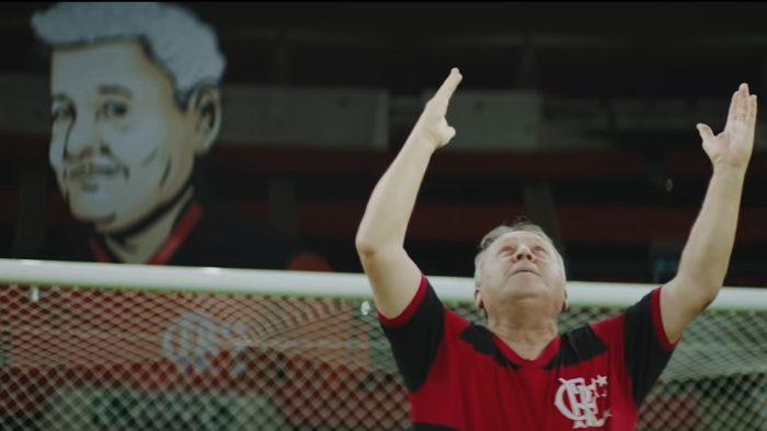 Zico comemora seu 335º gol no Maracanã