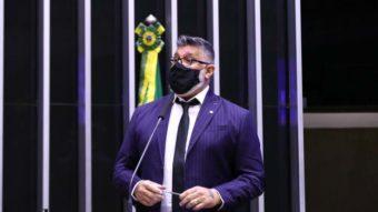 Alexandre Frota propõe suspensão do Pix em novo projeto de lei