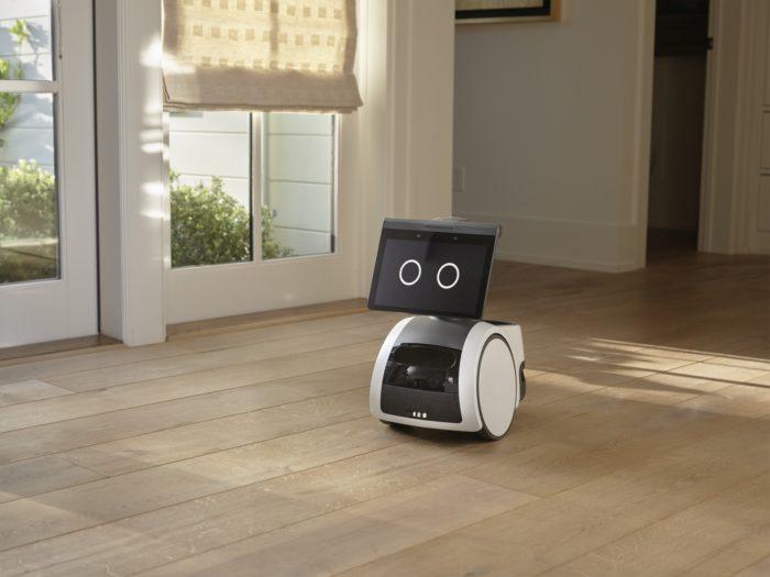 Robô doméstico Astro (imagem: divulgação/Amazon)