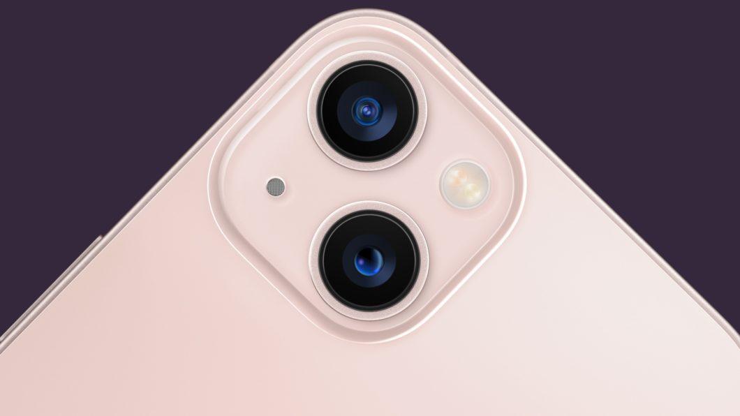 Câmera dupla do iPhone 13 (Imagem: Divulgação / Apple)