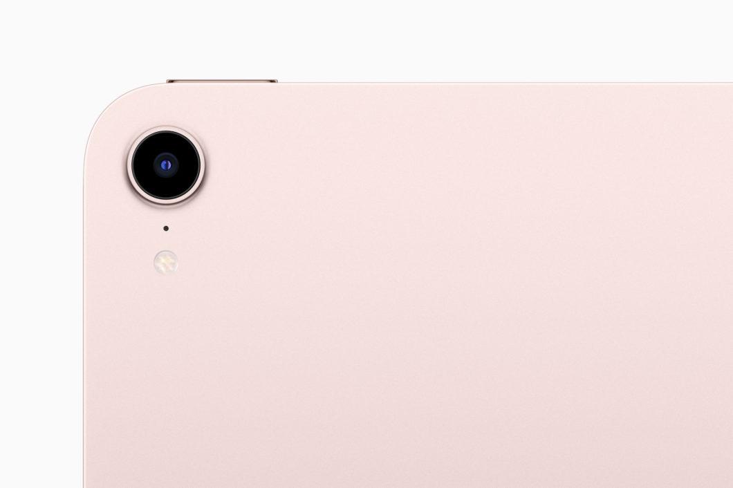 Câmera traseira do iPad Mini de 6ª geração. (Imagem: Reprodução / Apple)