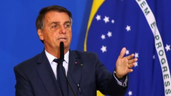 """Bolsonaro muda Marco Civil da Internet contra """"censura"""" em redes sociais"""