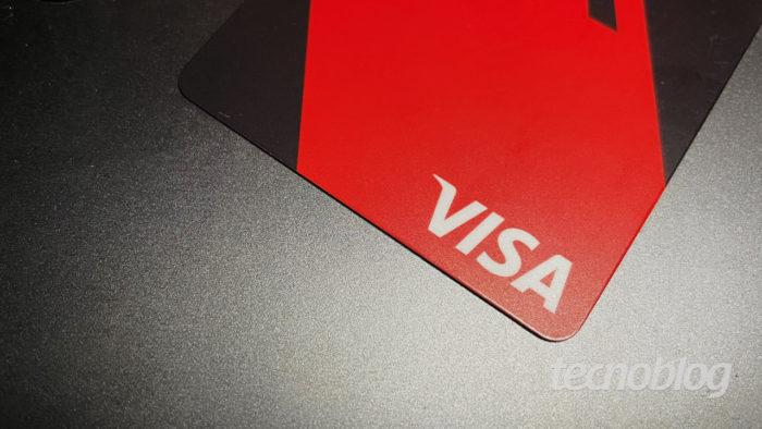 Cartão de crédito Visa (imagem: Emerson Alecrim/Tecnoblog)