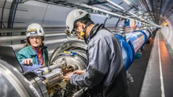 Como funciona o acelerador de partículas LHC? [Large Hadron Collider]
