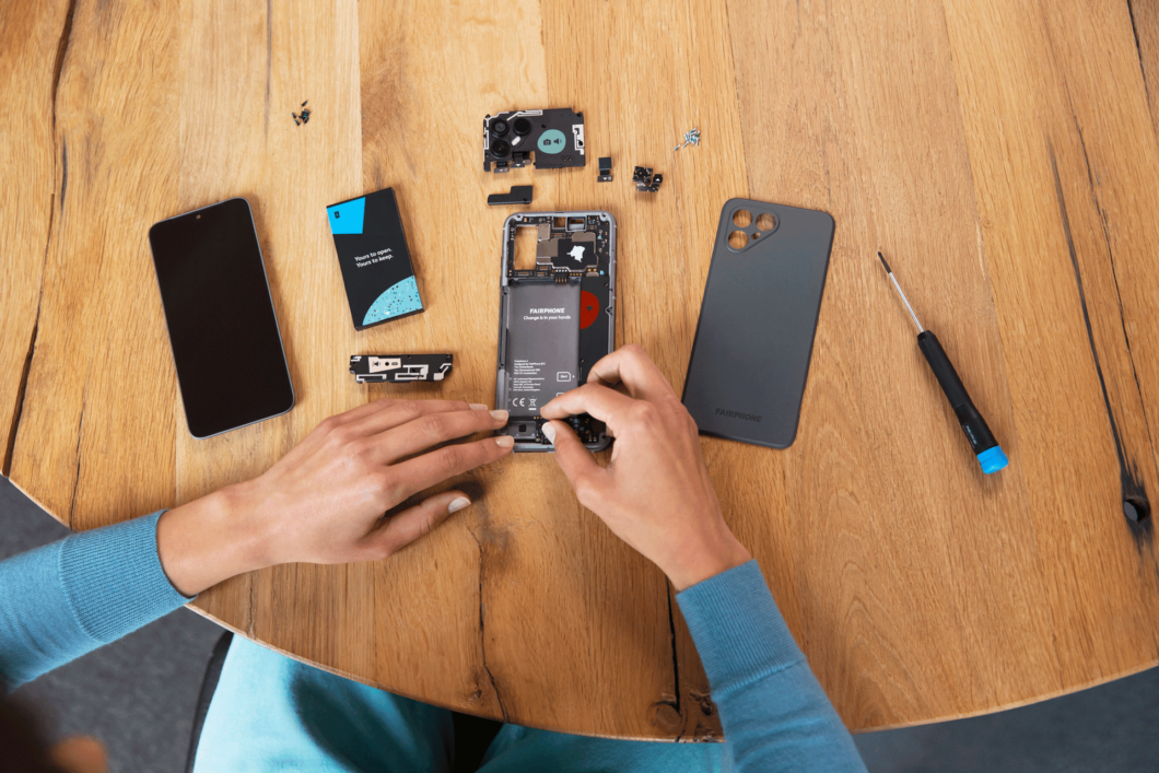 Nova geração de <a href='https://meuspy.com/tag/Espione-celulares'>celular</a> da Fairphone mantém design modular (Imagem: Divulgação)
