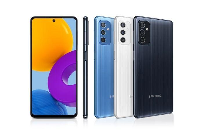 Samsung <a href='https://meuspy.com/tag/Espionar-Galaxy'>Galaxy</a> M52 5G será vendido na Índia nas cores azul e preto (Imagem: Divulgação/Samsung)