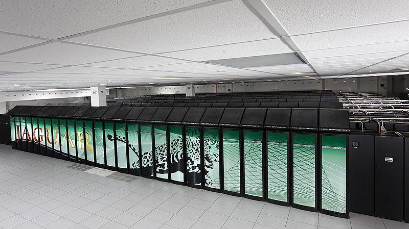 Supercomputador Jaguar montado no Laboratório Nacional de Oak Ridge, EUA (Imagem: Oak Ridge National Laboratory/Wikimedia Commons)
