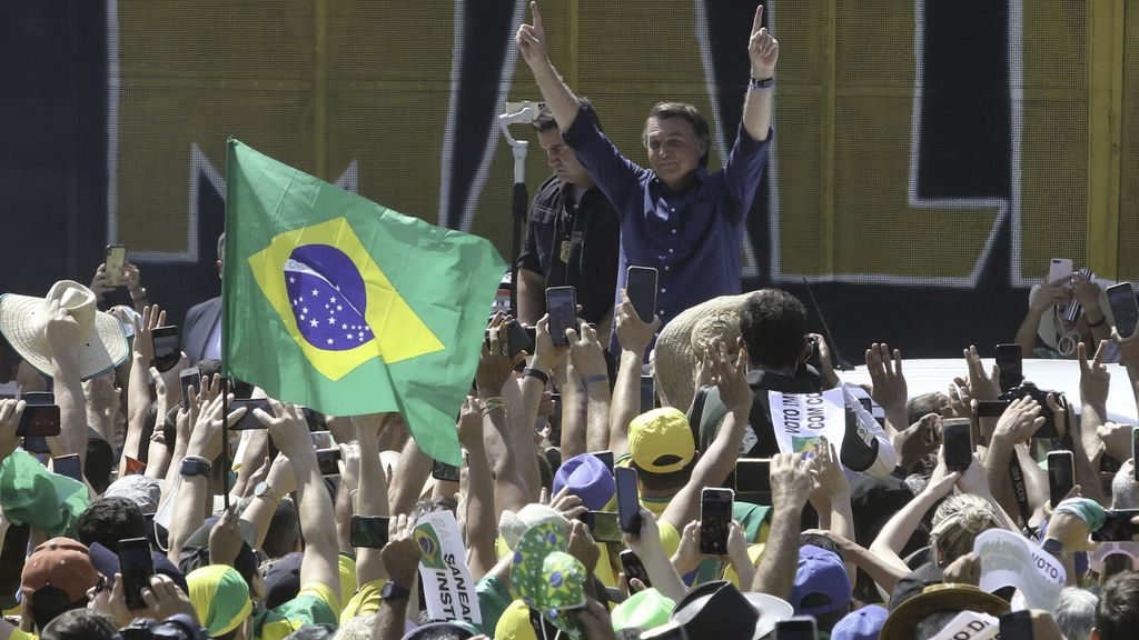 O presidente da República do Brasil, Jair Messias Bolsonaro, participa de ato na Esplanada dos Ministérios (Imagem: Fabio Rodrigues-Pozzebom/ Agência Brasil)