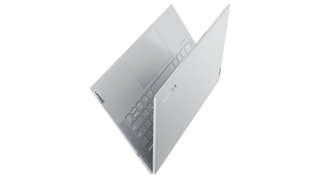 Lenovo Yoga Slim 7 Carbon pesa cerca de 1 kg (Imagem: Divulgação/Lenovo)