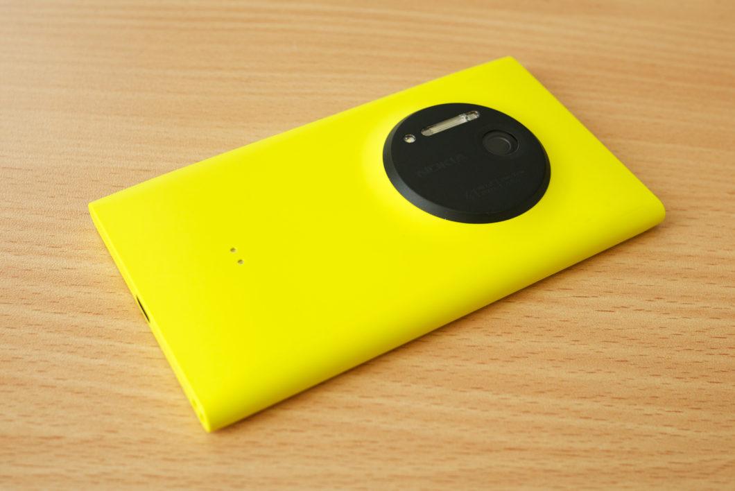Lumia 1020 (Imagem: Kārlis Dambrāns/Wikimedia Commons)
