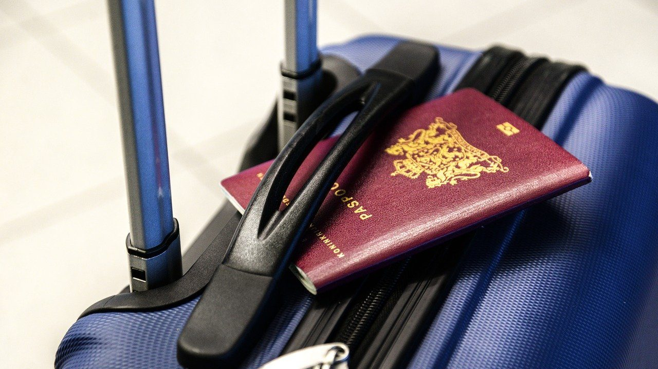 Seguro viagem: grátis para quem comprar passagem com cartão de crédito