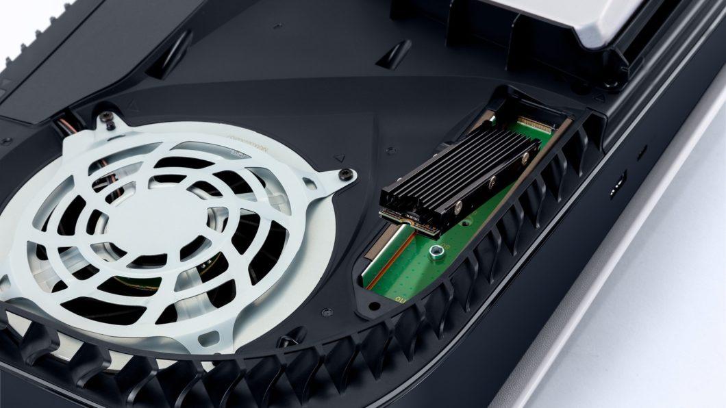 Atualização permite que SSD seja instalado no PS5 (Imagem: Divulgação/Sony)
