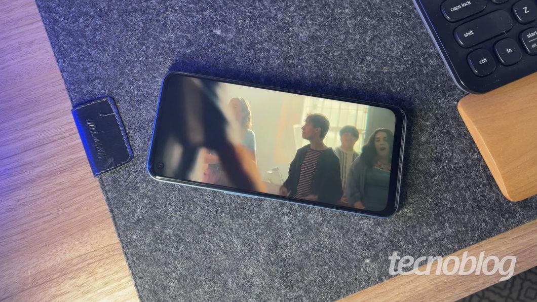 Realme 8 5G (Imagem: Darlan Helder/Tecnoblog)