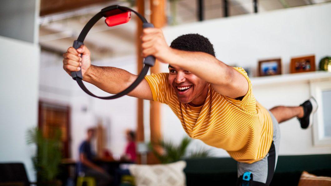 Ring Fit Adventure, do Nintendo Switch, permite fazer exercícios em casa (Imagem: Divulgação/Nintendo)