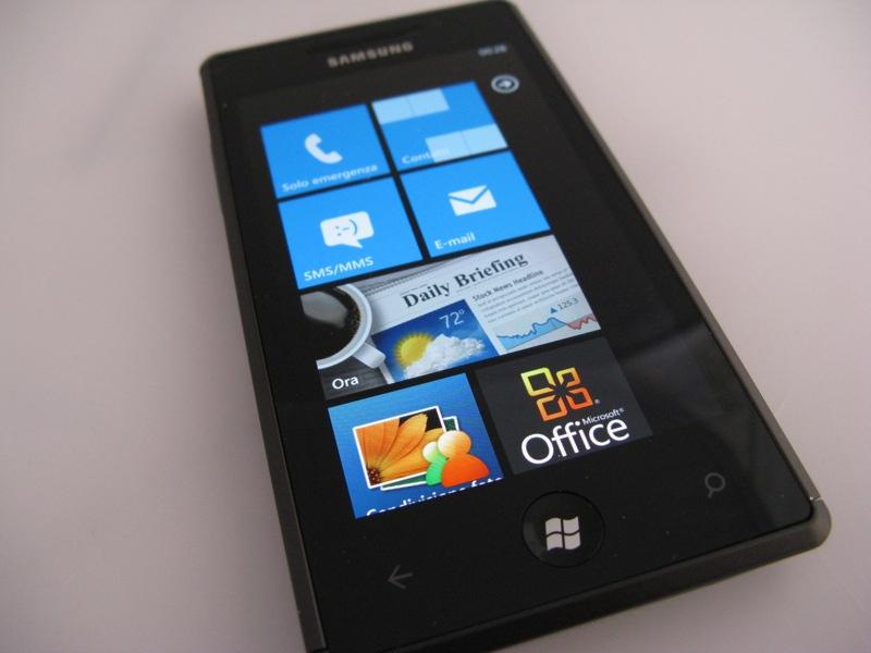 Samsung Omnia7 (Imagem: Luca Viscardi/Wikimedia Commons)