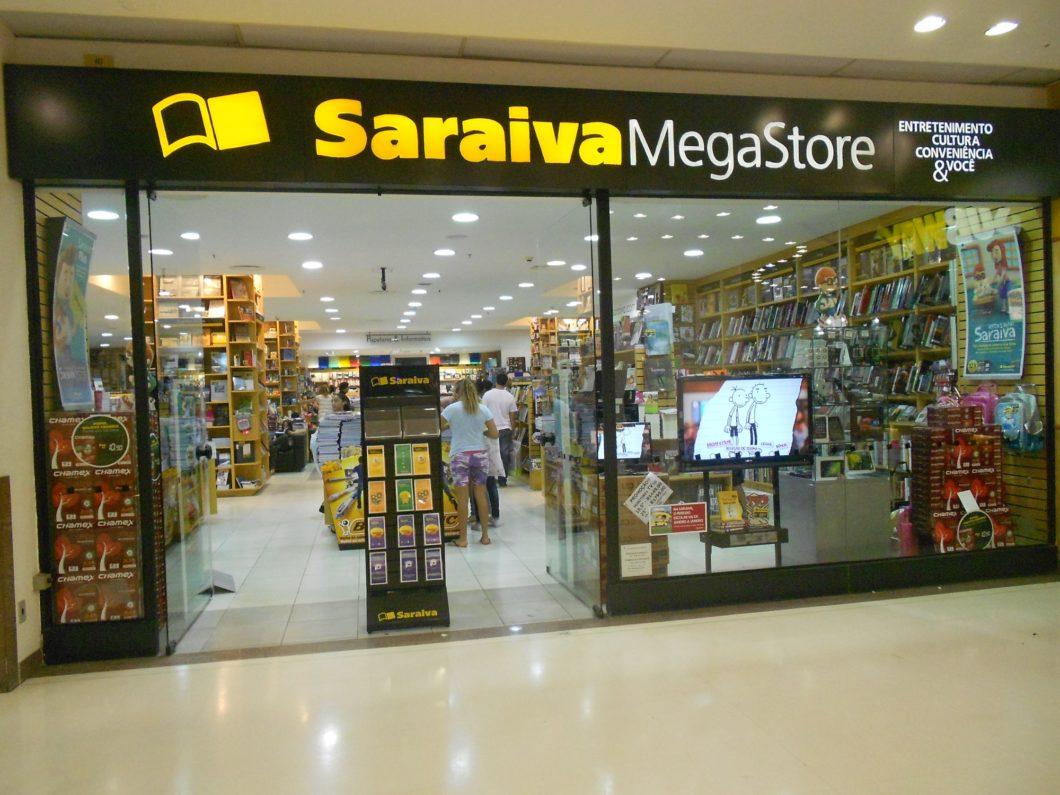 Saraiva Megastore no Botafogo Praia Shopping, uma das várias lojas fechadas (imagem: Eduardo P./Wikimedia)