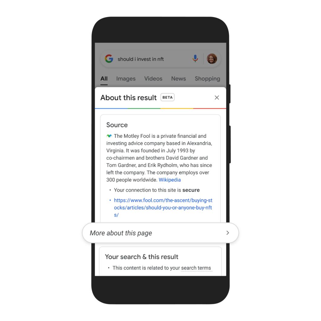 Busca do Google mostra descrição sobre a fonte do resultado