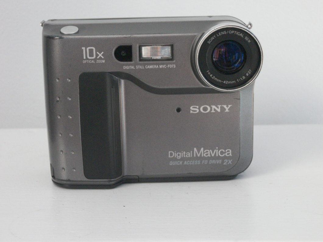 Sony Mavica FD73 suportava disquetes de 3,5 polegadas (Imagem: Terri Monahan/Wikimedia Commons)