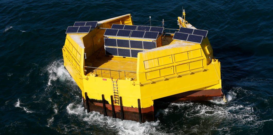 Bóia do Facebook tem painéis solares e coleta energia das ondas para alimentar repetidores de fibra submarina
