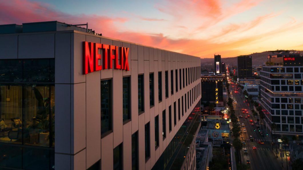 Netflix supera estimativas em novos assinantes com sucesso de Round 6 miniatura