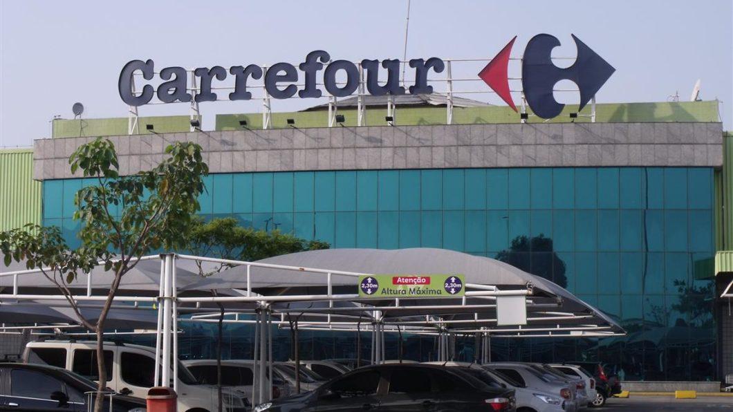 Carrefour inicia vendas da operadora móvel virtual Carrefour Chip