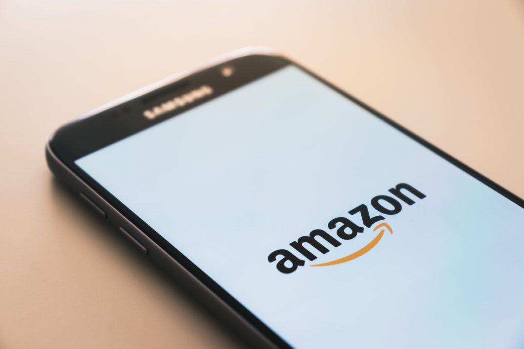 Amazon copiou produtos e priorizou linha própria em buscas, diz relatório