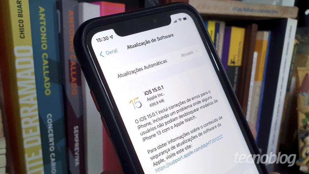 Apple libera iOS 15.0.1 para iPhone (Imagem: Bruno Gall De Blasi/Tecnoblog)