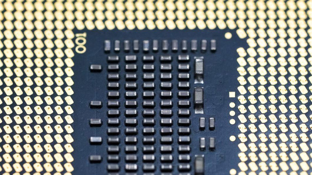 Macro de um processador (Imagem: Jeremy Bezanger/Unsplash)
